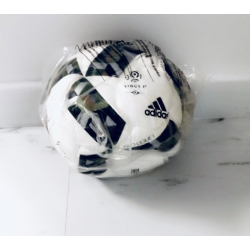 BALLON ADIDAS TAILLE 3 - DESTOCKAGE